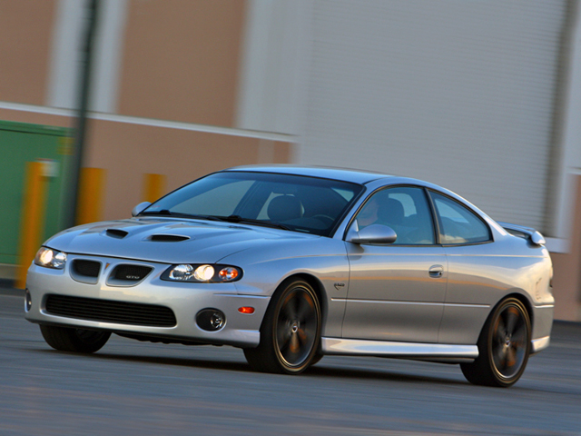 hppp_0811_web_01_z+2005_pontiac_GTO+autocrossPontiac GTO 2005